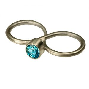 Double ring with gem stone