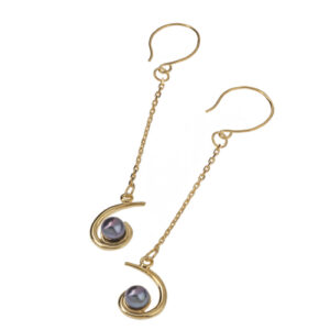 Twirl earrings with chain
